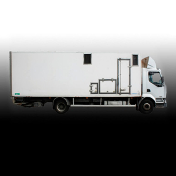 130 kW CATERPILLAR + Lighting Truck